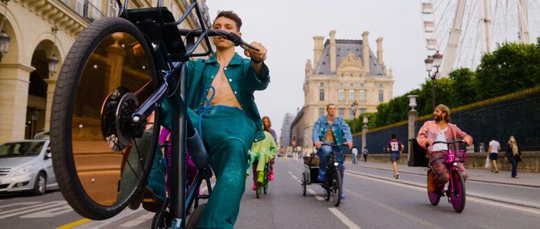 Freedom Fields: Wie Pigalle's VanMoof-inspirierte Kollektion Paris im Sturm erobert